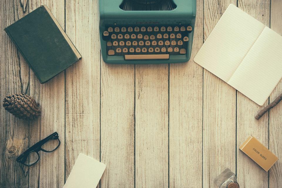 De leeshoek op FSOM is iets waarin je kunt wegzakken. Een recensie over een boek kan BooksBeersandBeyond als geen ander. Nu Vijf tips om een killerrecensie te schrijven! op FSOM!