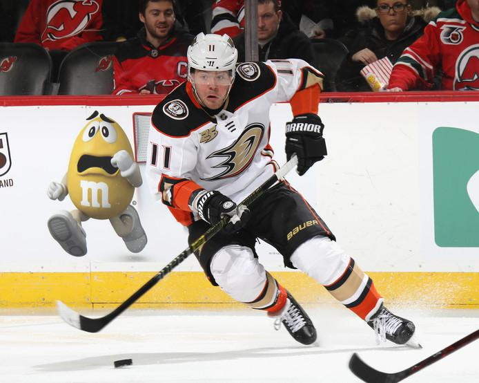 Daniel Sprong als derde nederlander actief in de NHL, hij speelt voor de Anaheim Ducks en je leest meer over hem in het artikel van Giddy Hop op FSOM. De NHL snelle handen en weinig tanden!