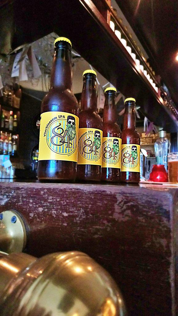 Maak kennis met de vlierbloesem IPA met Friese roots van Brouwerij '84. In het Friese Wolvega sprak ik Guido Niehaus van Pub '84 over zijn liefde voor het gerstenat, foodpairing en natuurlijk zijn nieuwe bier!