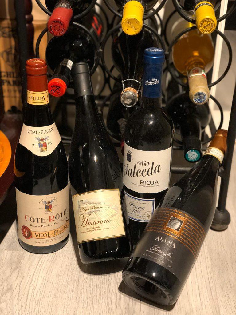 The Bright Side Of Wine. Wat zijn nou de voordelen van wijn drinken? OF beter nog, wat zijn de gezondheidsvoordelen. Robbert / Confessions of a Whisky Freak duikt de wereld van de wijnen in en checkt of het mythes zijn, of echt waar....