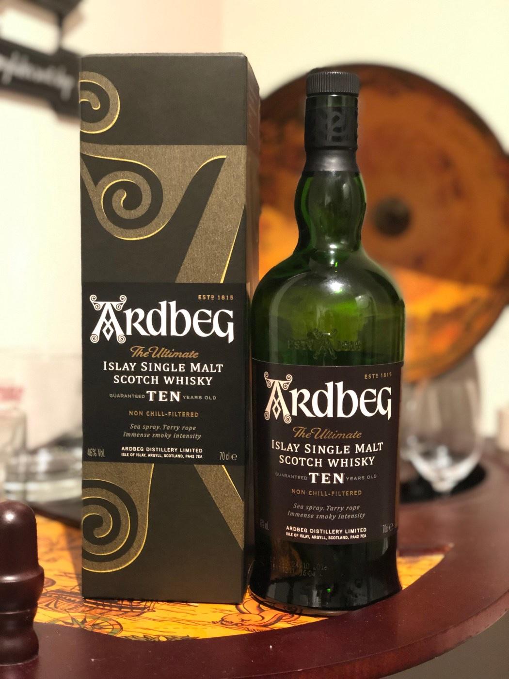Ardbeg op fsom. 5 Whisky's om de winter mee door te komen. Deze tips van onze eigen Whisky kenner, Confessions of a Whisky freak wil jij gewoon in huis halen. Fijne winter!