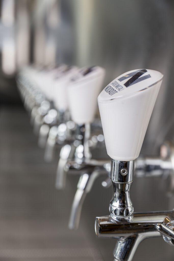 LagerLab bieren van Brouwerij Noordt door TheDutchBeerDad op FSOM Magazine.  Peter Rouwen temt ongetemde wateren met Brouwerij Noordt.   https://fsom.nl