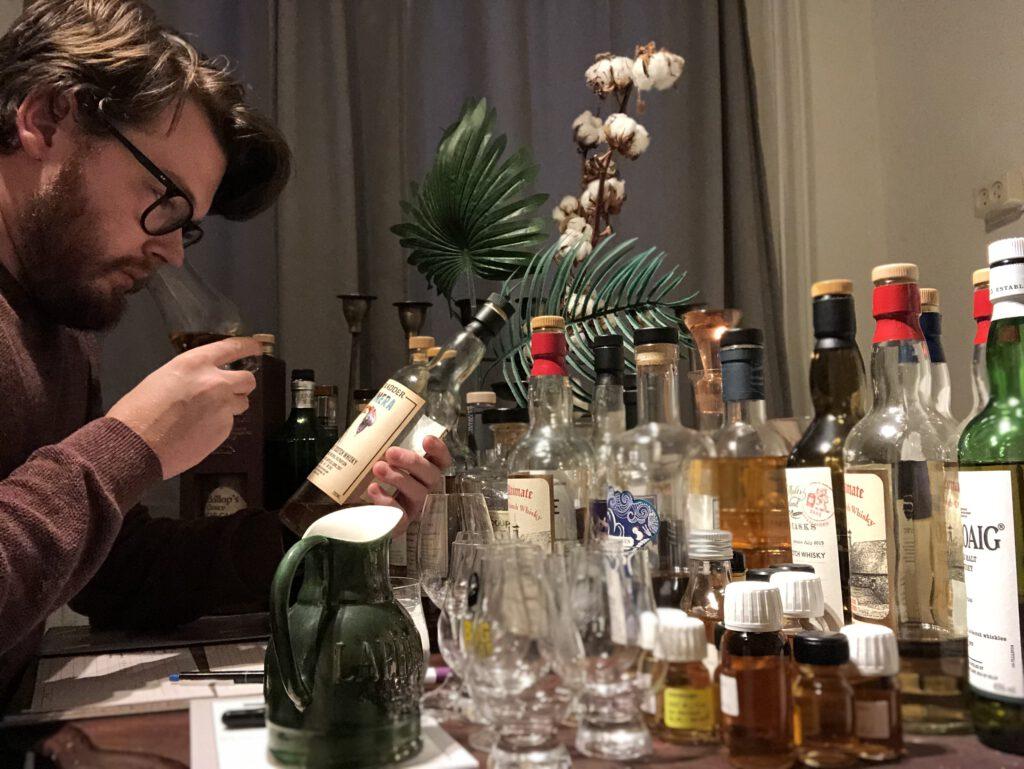 Het einde van het jaar is nabij en dus is het tijd voor wat mooie overzichten. Vandaag de top 5 whisky's door Confessions of a Whisky Freak.  -FSOM Magazine