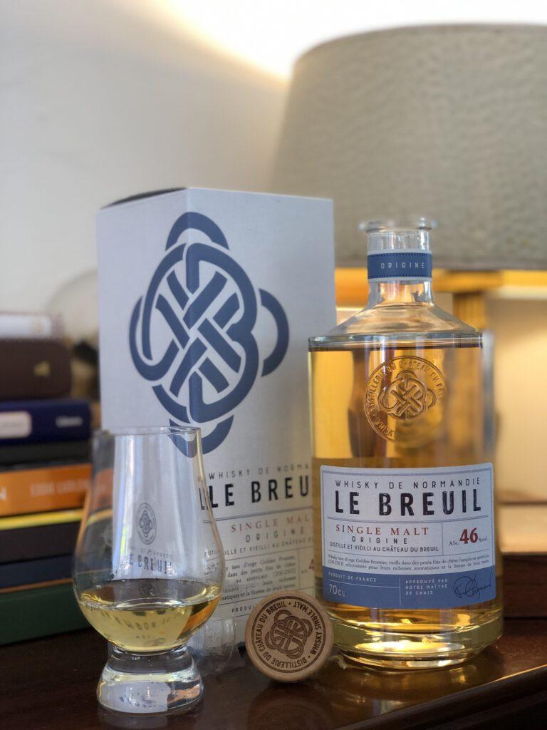 Le Breuil whisky te koop bij Van Erp Dranken. Whisky, Whiskey en nog meer Whisky. Hoe zit dat eigenlijk? Welke soorten zijn er, welke smaken en waar kan ik nou terecht voor goed advies?  Robbert aka Confessions of a whisky freak praat je bij in zijn artikel voor FSOM.
